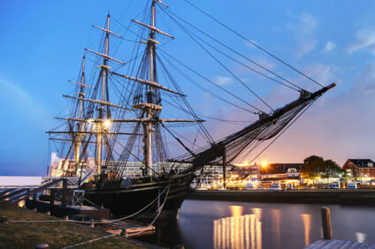 ship_in_Salem_Harbour